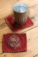 【6枚セット】カンタ刺繍とウッドブロックの手造りウッドブロックコースター 赤系