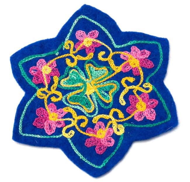 フェルトの花柄コースター 【青】の写真