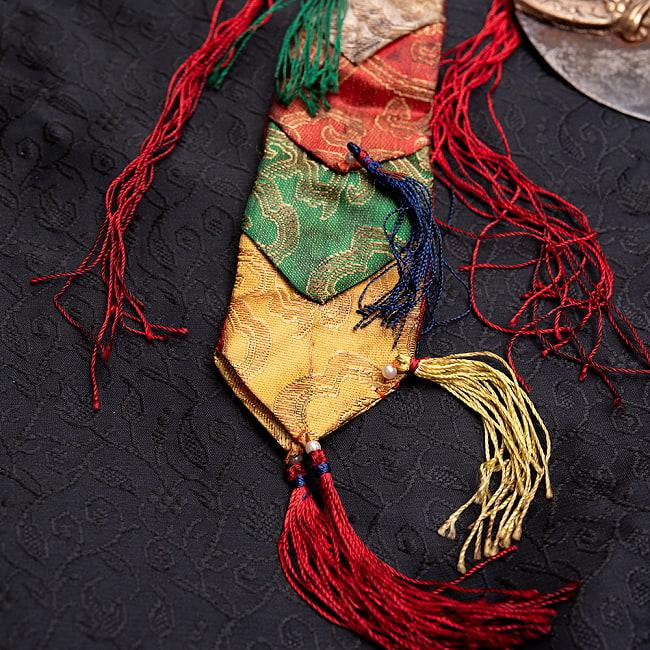 カルタリ(曲刀)のお守りの写真5 - 色彩が美しいです。