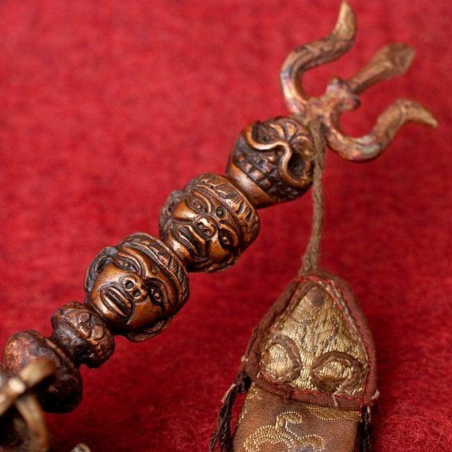 タントラの神々が持っている杖(ガドゥヴァーンガ) 【約62cm】 2 - 持ちての部分の写真です