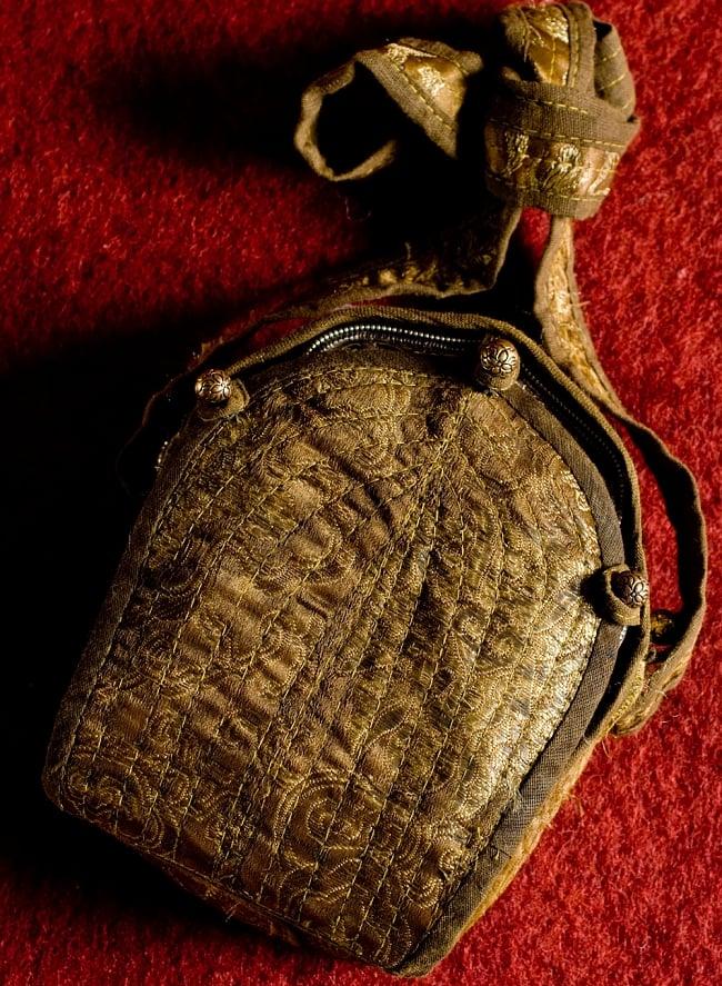 持ち運びができるチベット仏教の仏壇 ガウ(大) 8 - 本体を持ち運ぶための袋です。これは表です。