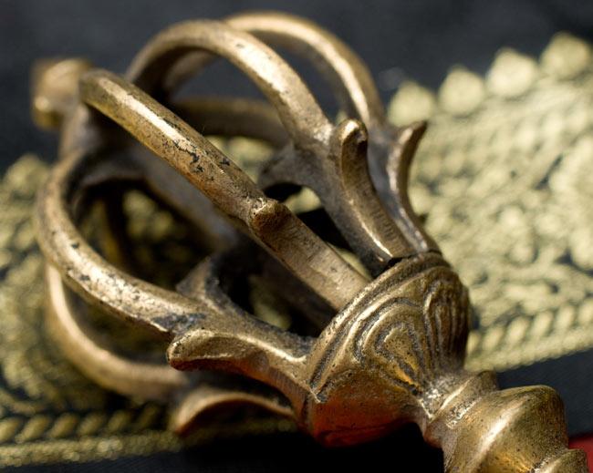 ドルジェ(ヴァジュラ・金剛杵) 2 - 細かい模様がきれいです。
