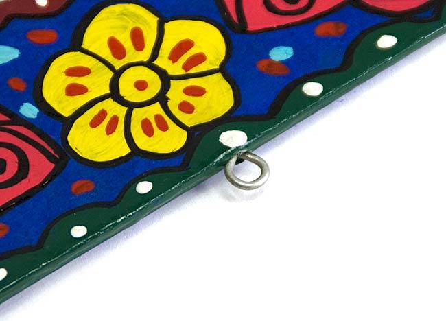 ミティラー画の壁掛け鏡 (四角型30.5x25.5cm)の写真3 - 壁掛け用の金具です。