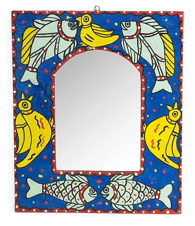 ミティラー画の壁掛け鏡 (四角型30.5x25.5cm)の写真