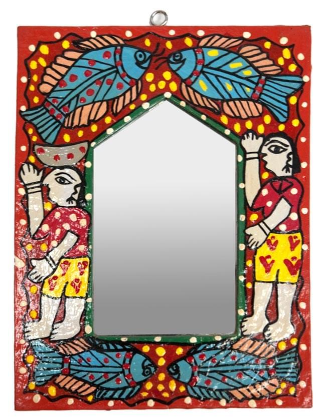 ミティラー画の壁掛け鏡 (四角型15x20cm)の写真