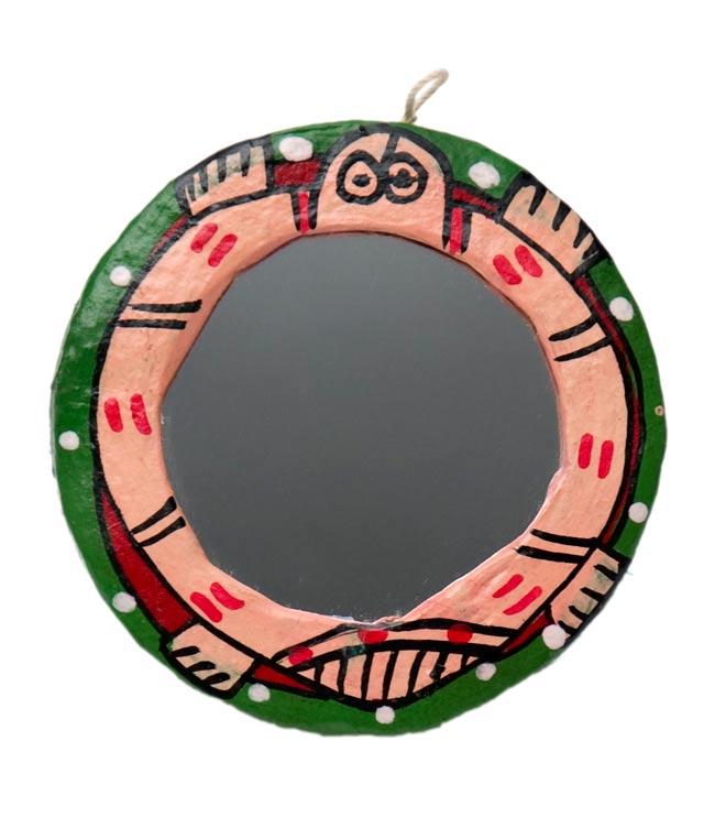 ミティラー画の壁掛け鏡 (丸型約7.5cm)の写真