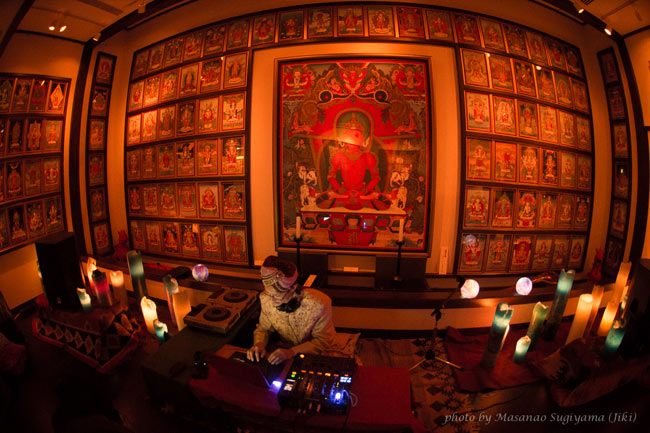 Sangeet Mela TOKYO2015 - インド古典音楽&舞踊オールナイトフェスティバル - 10 - サブステージでは108を超える曼荼羅の前でのプレイとなります。DJや若手のアーティスト、ワークショップが行われます