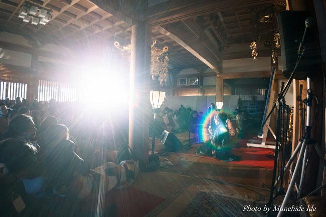 Sangeet Mela TOKYO2015 - インド古典音楽&舞踊オールナイトフェスティバル - 11 - 本堂の中で迎える朝は神々しいほど