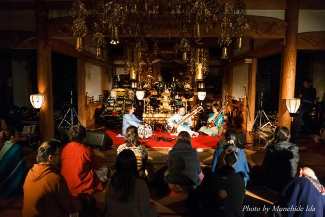 Sangeet Mela TOKYO2015 - インド古典音楽&舞踊オールナイトフェスティバル - 2 - 荘厳なお寺の中で聞くインド古典は素晴らしい響きです