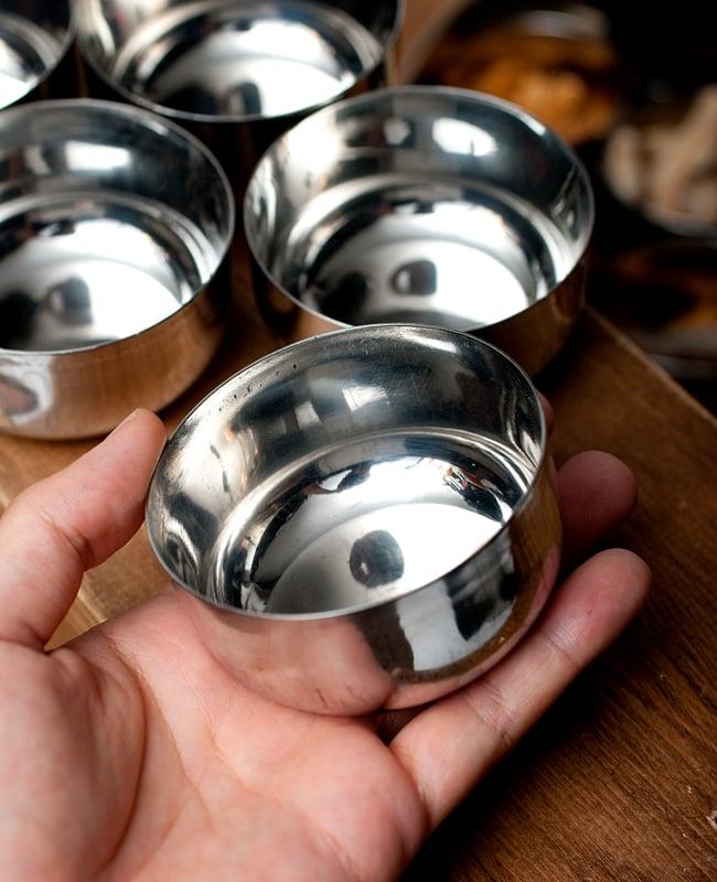 【お得!5点セット】カレー小皿(約7.6cm×約4cm)中サイズ サブジカトリの写真5 - このくらいのサイズ感になります