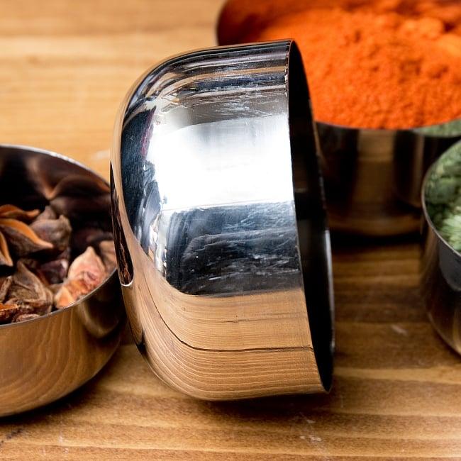 【訳あり・インド品質】お得なカレー小皿5個セット(約8.3cm×約4.2cm 約200ml) 5 - 横からの写真です
