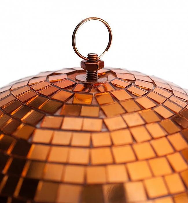 ミラーボール −銅色[300mm] 4 - 下部にも取り付け器具がついているので複数のミラーボールを連結したりできます。