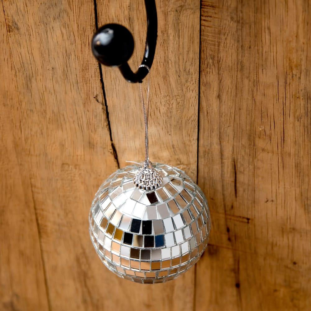 手のひらサイズのミラーボール パーティーなどの装飾へ[70mm] 4 - 上からの写真です