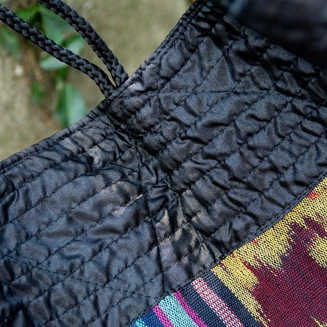 バリ島のゆったりイカットハンモック 美しい伝統かすり模様 10 - 丈夫に作られています
