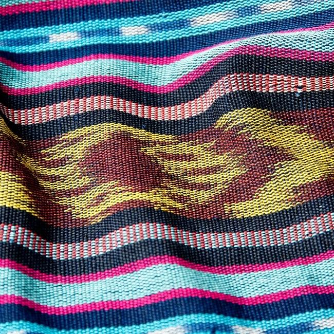 バリ島のゆったりイカットハンモック 美しい伝統かすり模様 16 - 先に染めて、後から織ることで独自の美しい模様に