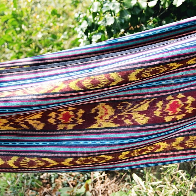 バリ島のゆったりイカットハンモック 美しい伝統かすり模様 8 - 拡大写真です