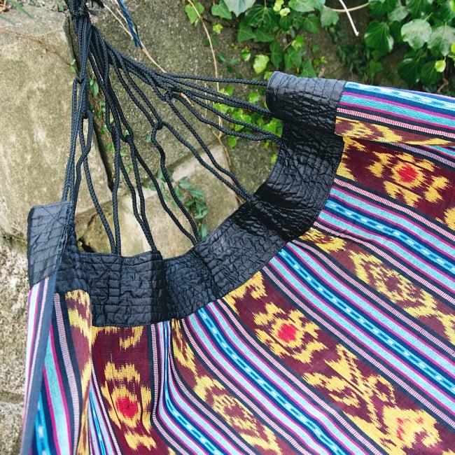 バリ島のゆったりイカットハンモック 美しい伝統かすり模様 9 - 付け根部分です