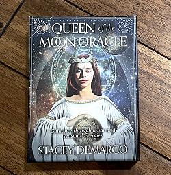 クイーンオブザムーンオラクル - Queen of the Moon Oracle