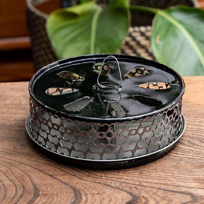 タイのアジアンデザイン蚊取り線香ボックスの写真