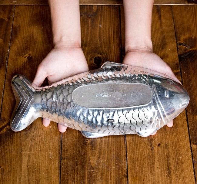 炭火でお魚を調理できる!! お魚模様のフィッシュパンセット アウトドアでも大活躍 11 - なかなか大きなサイズ感で、スズキなどにも使えます。