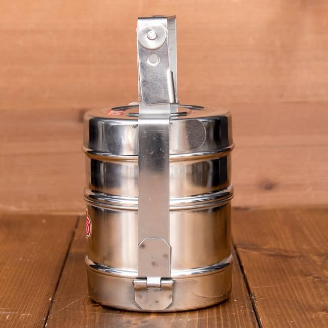 鍵が掛かる!インド3段ボンベイ弁当箱 ダッバーワーラー仕様【直径:約10cm 高さ:約19.5cm】 5 - 横からの写真です
