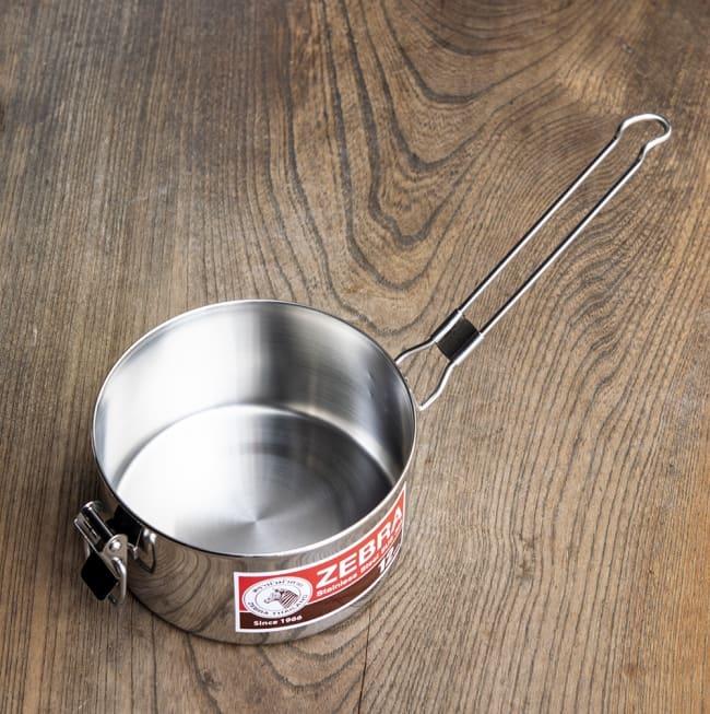 鍋にもなる タイのステンレス弁当箱 ZEBRAブランド - 14cm 4 - フタの留め具は片手鍋の柄になります。キャンプユーズにもオススメです。