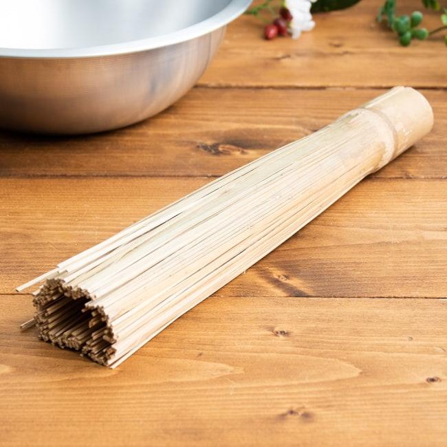 タイの竹製鍋洗い ささら 2 - フライパンや中華鍋を洗う際に鍋肌を傷つけず コゲや汚れだけをこそぎ落とします。