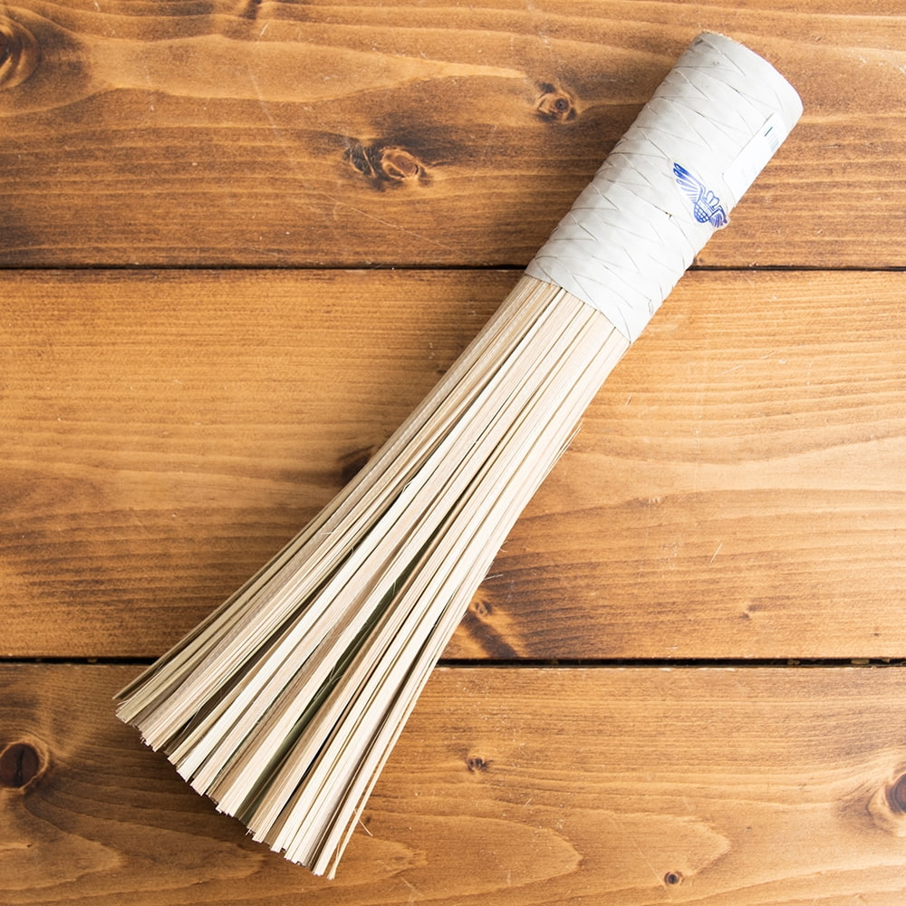 タイの竹製鍋洗い ささら - グリップ付き 5 - 使い始めは穂先が少し硬いですが、だんだんと繊維がほぐれて 良くしなり洗いやすくなりますよ!