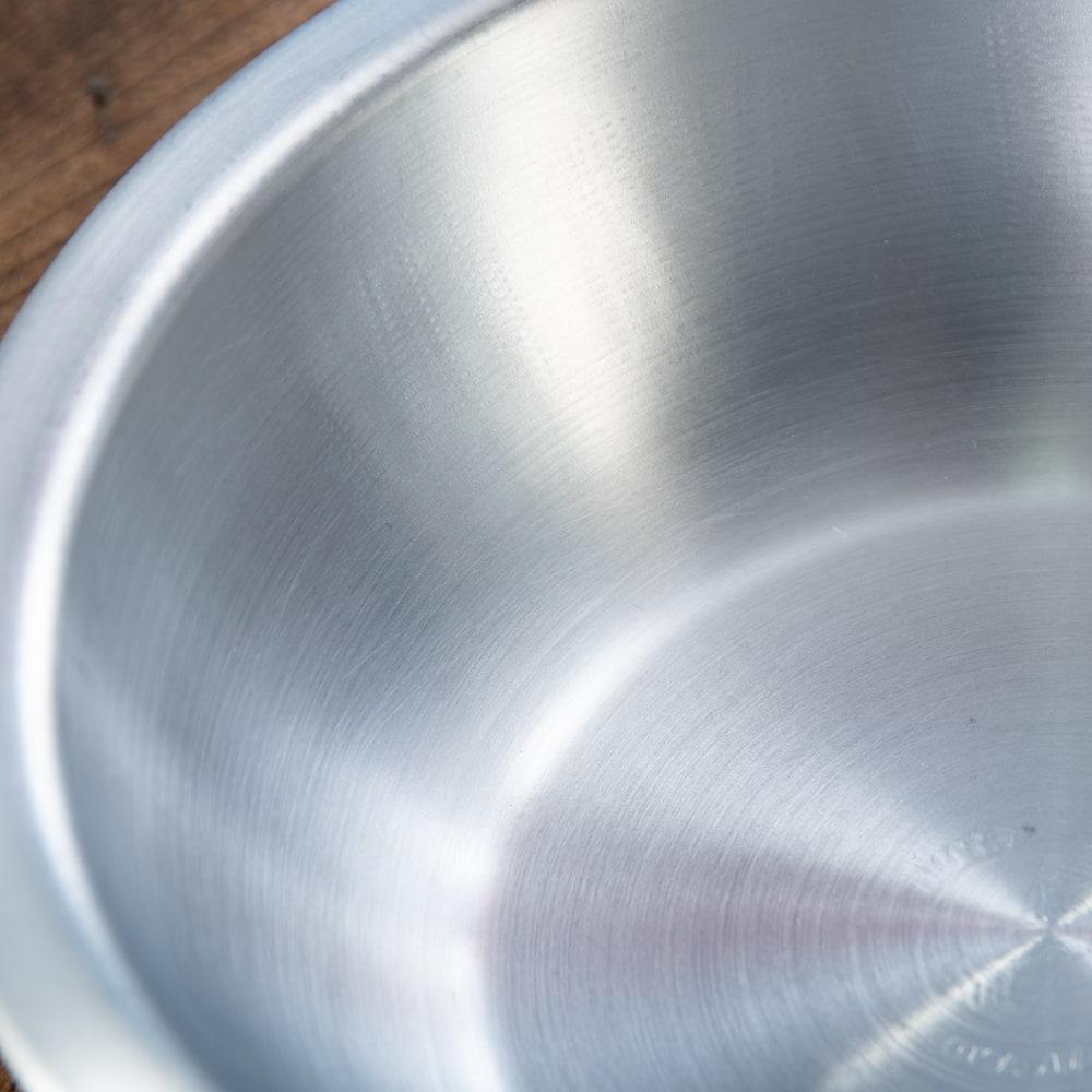 キャンプにも便利なアルミボウル ミキシングボウル〔約18.5cm×約5.2cm〕 シンプルだけど、ぬくもりあるタイの食器 3 - 拡大写真です