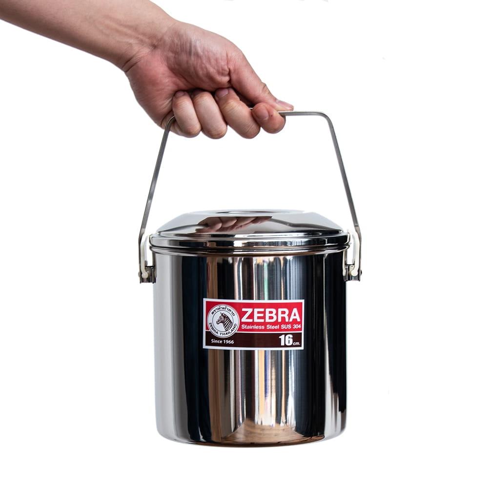 〔16cm 3L〕ブッシュクラフトの定番 ゼブラ社のビリー缶・ビリーポット 焚き火とキャンプの直火調理へ〔ステンレスSUS304製〕 15 - 手に取るとこれくらいの大きさです。たっぷりの容量です。