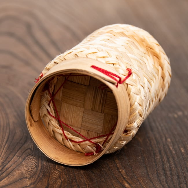 タイの竹製ごはんケース - 小 4 - 底面の様子です。