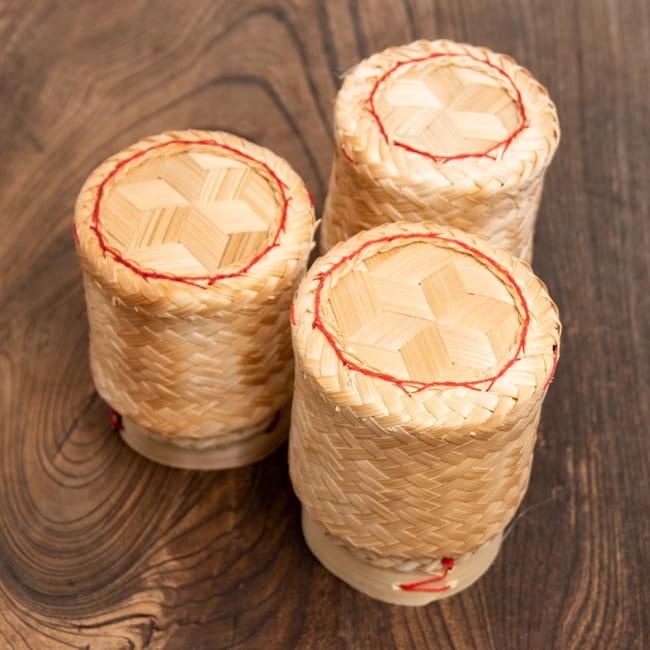 タイの竹製ごはんケース - 小 6 - ハンドメイドのため個体差があります。