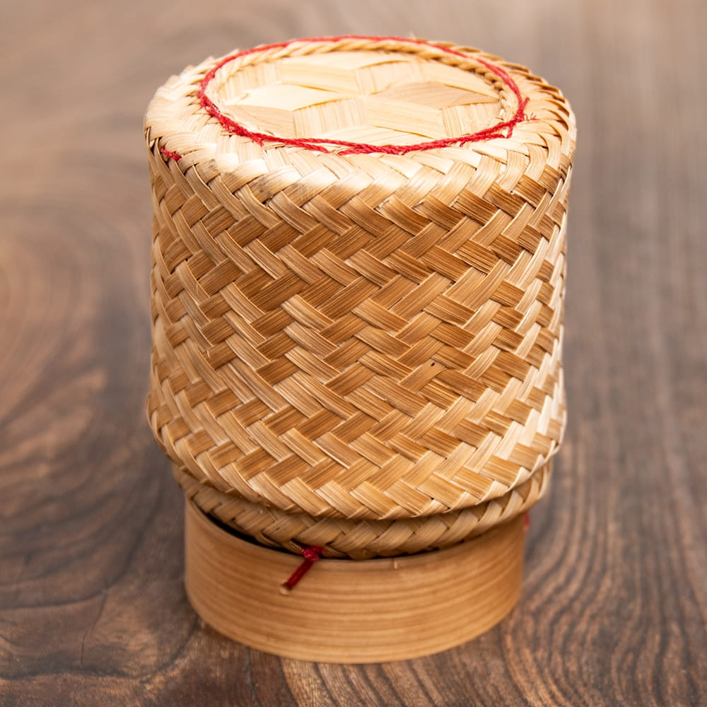 タイの竹製ごはんケース - 中の写真