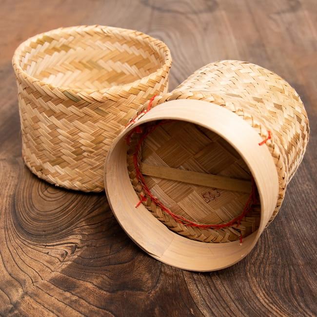 タイの竹製ごはんケース - 大 4 - 底面の様子です。