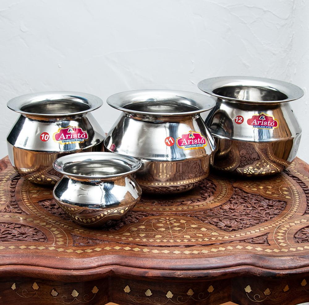 [インド品質]ステンレスのビリヤニ鍋 3人分以上サイズ(1800cc) 5 - いろいろなサイズを並べてみました。