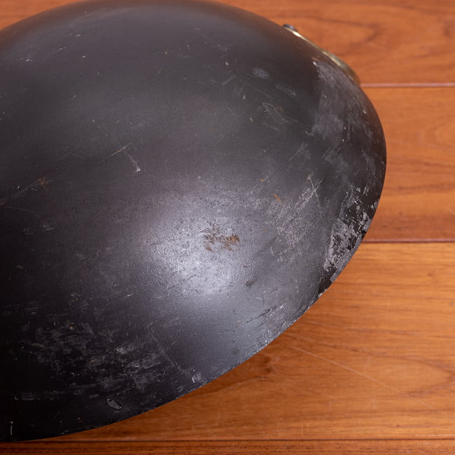 インドの屋台用鉄製カダイ(インド鍋 鉄鍋) - 直径約30cm 7 - 拡大写真です