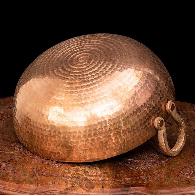 槌目仕立て高級調理用カダイ 銅製 - 直径31.5cm 5 - 底面の様子です。