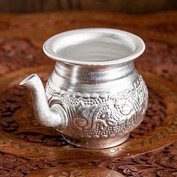 インド伝統唐草エンボスのアルミ水差し - 高さ:約8cm