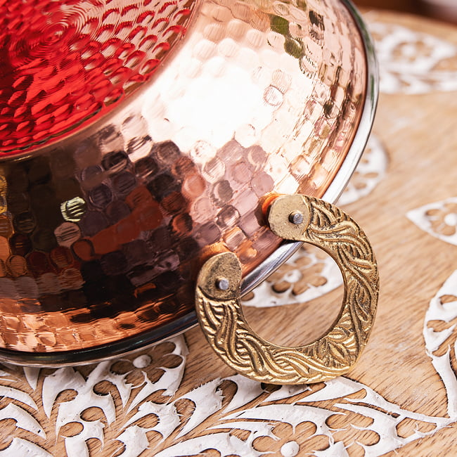 槌目銅装飾仕上げのステンレスカダイ[装飾持ち手付]サービングパン 食器・お皿〔約16.4cm〕 5 - とても雰囲気があります