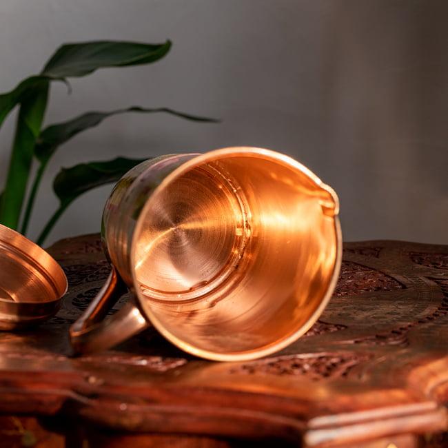 銅製水差し アーユルヴェーダやヨガに使われる ウォータージャグ・ピッチャー〔約1600ml〕 8 - 中はこのようになっています