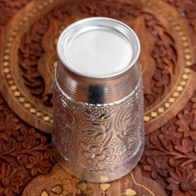 インド伝統唐草エンボスの花瓶 高さ:約11.5cm 5 - 裏面です