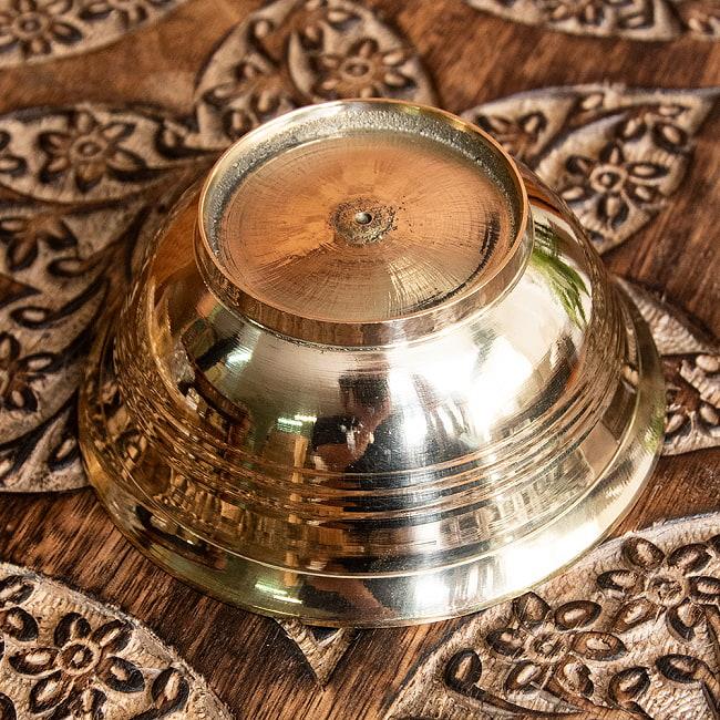 ブラス製のボウル 直径:約9.5cm 4 - 底面の様子です。