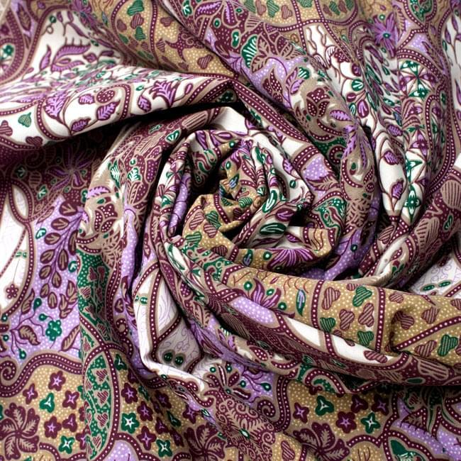 〔160cm*115cm〕インドネシア伝統!コットンバティック - 紫・更紗の写真4 - 布をクシュクシュっとしてみました