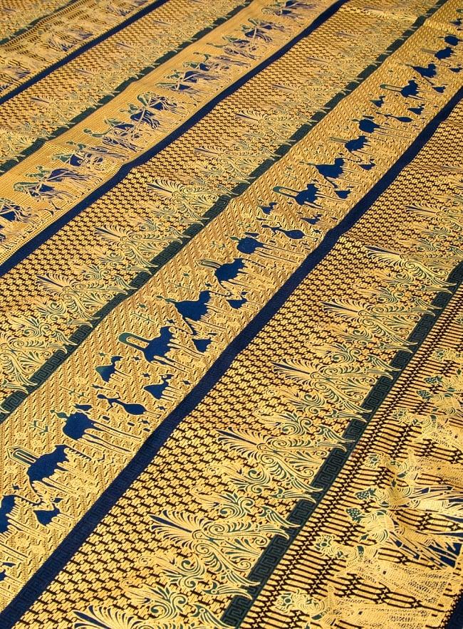 〔190cm*120cm〕インドネシア伝統のコットンバティック - 黒色・民族模様 2 - 鳥などの動物と植物を組み合わせたスメン模様や、刀剣を意味する王宮模様のパラン・ルサック、インドから影響を受けた更紗模様など、インドネシアの歴史を感じることのできるデザインになっております。