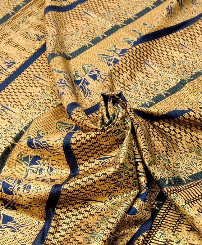 〔190cm*120cm〕インドネシア伝統のコットンバティック - 黒色・民族模様 4 - 布をクシュクシュっとしてみました