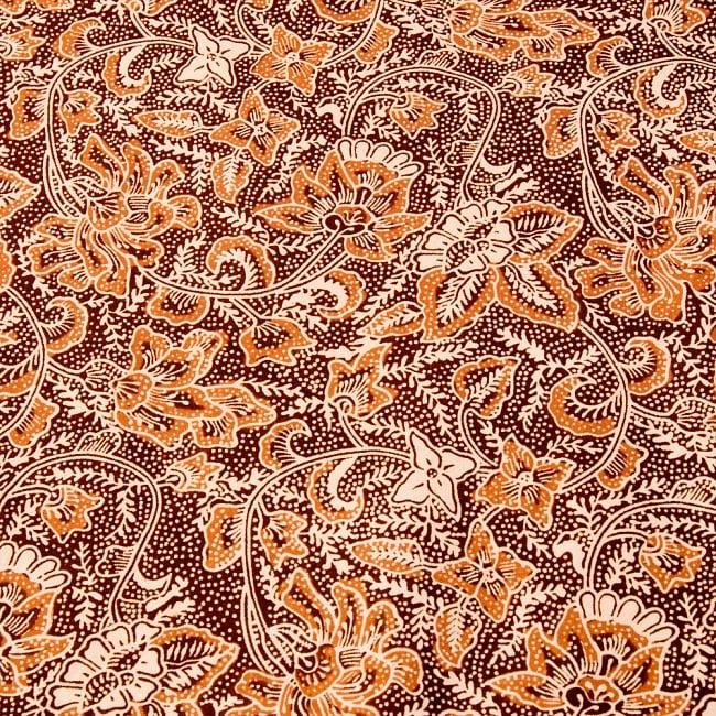 〔175cm*110cm〕インドネシア伝統のコットンバティック - 茶色・花更紗(花がオレンジ) 3 - 拡大写真です