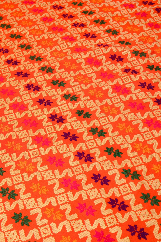 〔185cm*110cm〕インドネシア伝統のコットンバティック - 橙色・伝統模様 3 - 拡大写真です