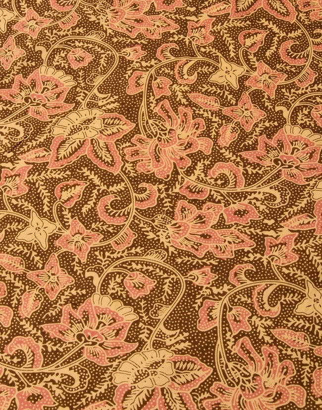 〔190cm*120cm〕インドネシア伝統のコットンバティック - 茶色・花更紗(花がピンク)の写真3 - 拡大写真です