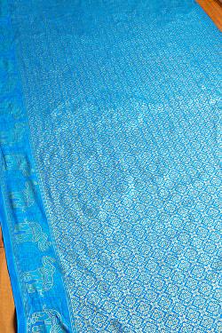 インドネシア伝統模様 ろうけつ染めデザインのレーヨンバティック布〔184cm*111cm〕
