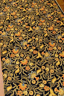 インドネシア伝統模様 ろうけつ染めデザインのコットンバティック〔205cm*109cm〕